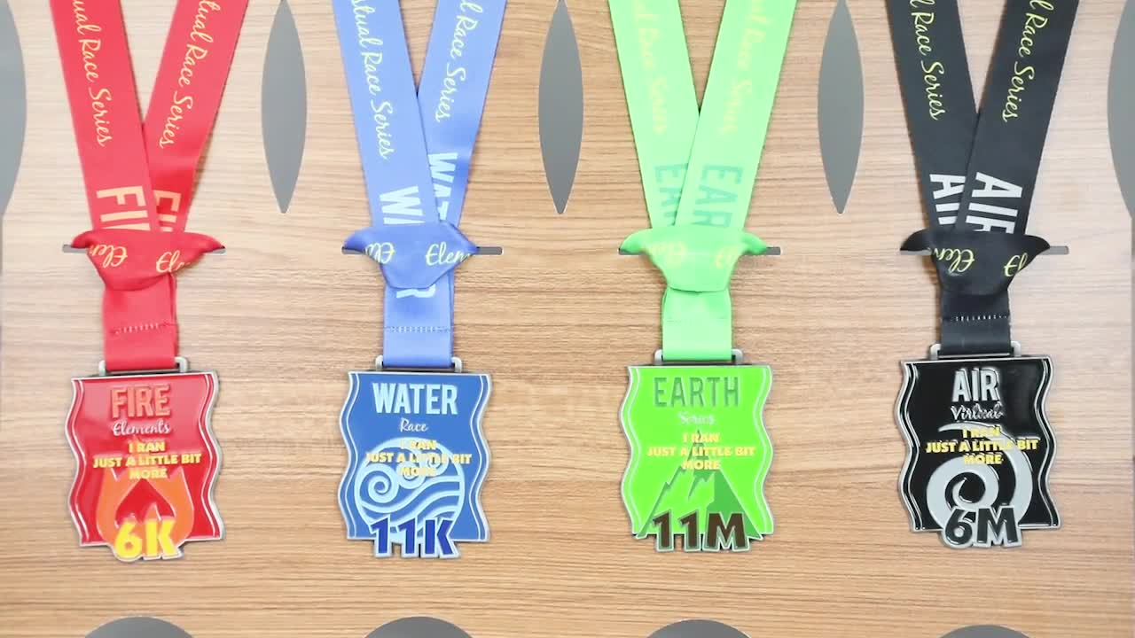 Factory directly supply cheap custom Ironman Triathlon finisher medals