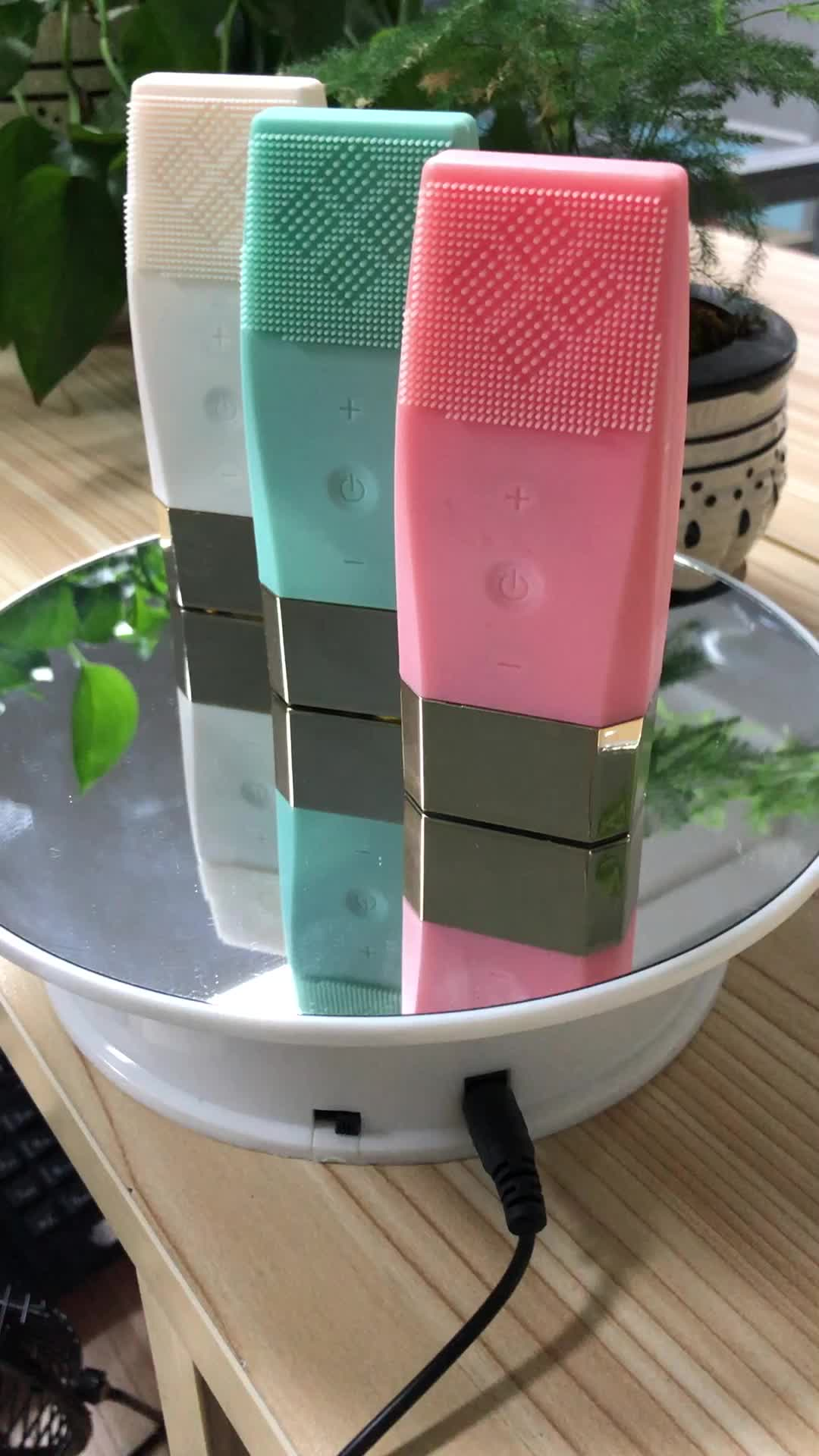 mini Rechargeable electric silicone massager cleanser facial cleansing face brush