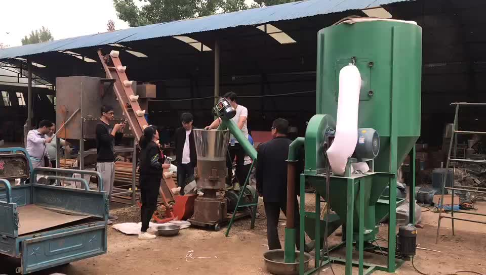 Animal Feed Grinder and Crushing Mixer Poultry Feed Grinding Mixing Machine