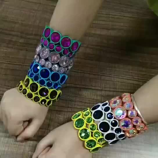 Multicolor hecho a mano de pintura de cristal grande elástico esmalte pulsera de brazalete de cristal de perla pulsera para las mujeres