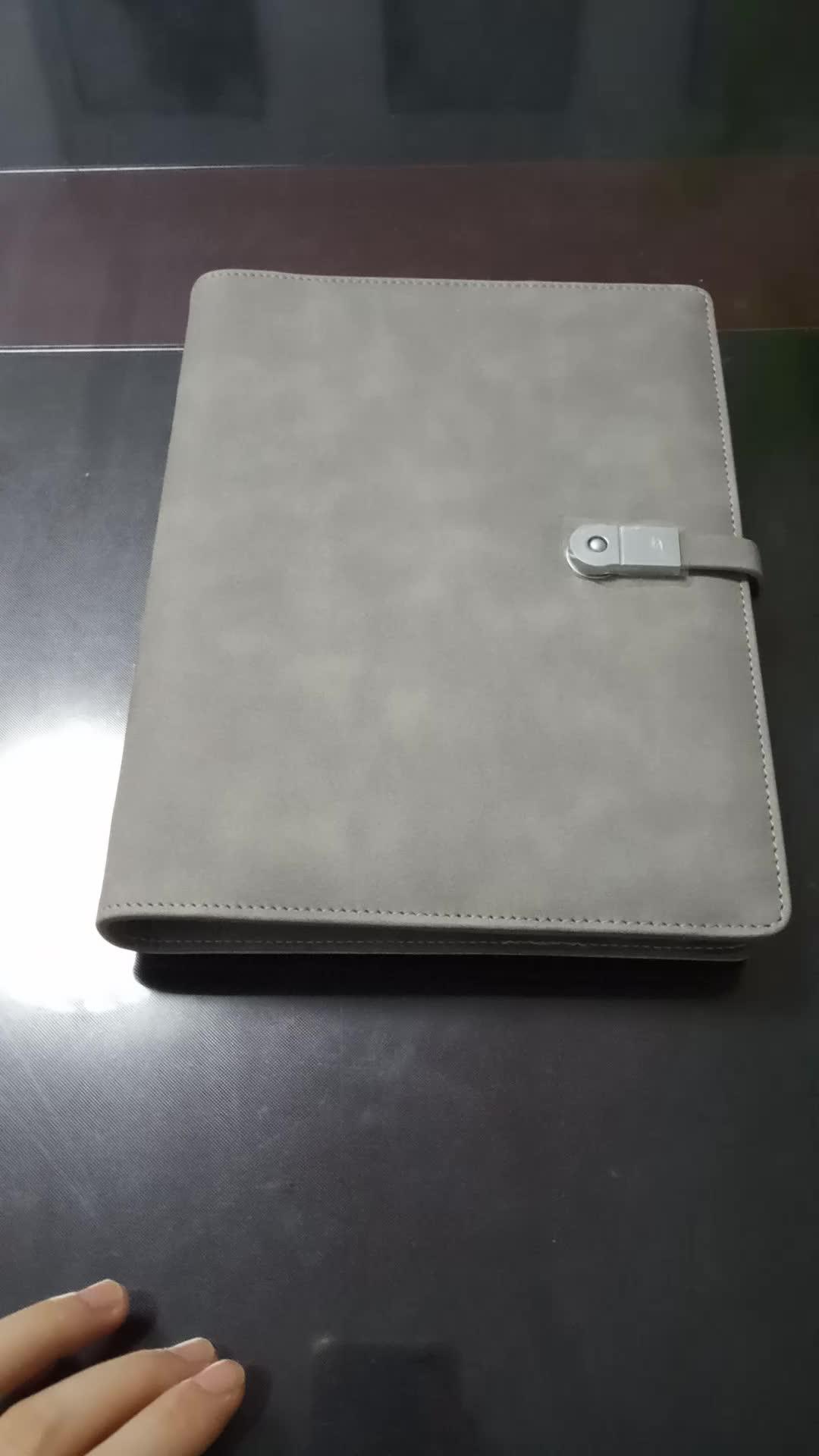 Banco de potencia para cuaderno de cuero con cierre magnético y usb