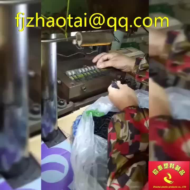 Custom logo zachte pvc rubber koord rits slider puller voor kledingstukken en rits puller/aangepaste ritsen