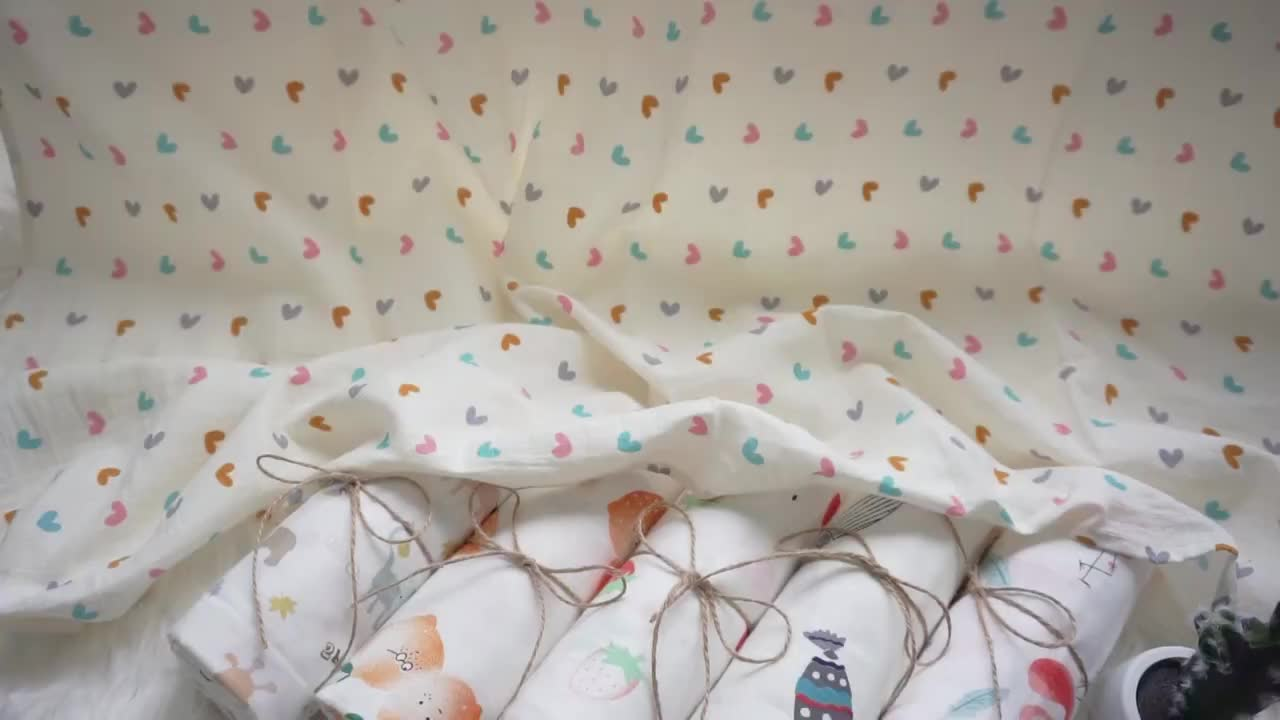 New design soft touch feel 100% cotton custom blanket muslin baby swaddle for airplane