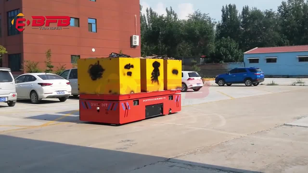 Промышленный Дистанционно управляемый безследный управляемый автомобиль, движущийся на бетонной поверхности