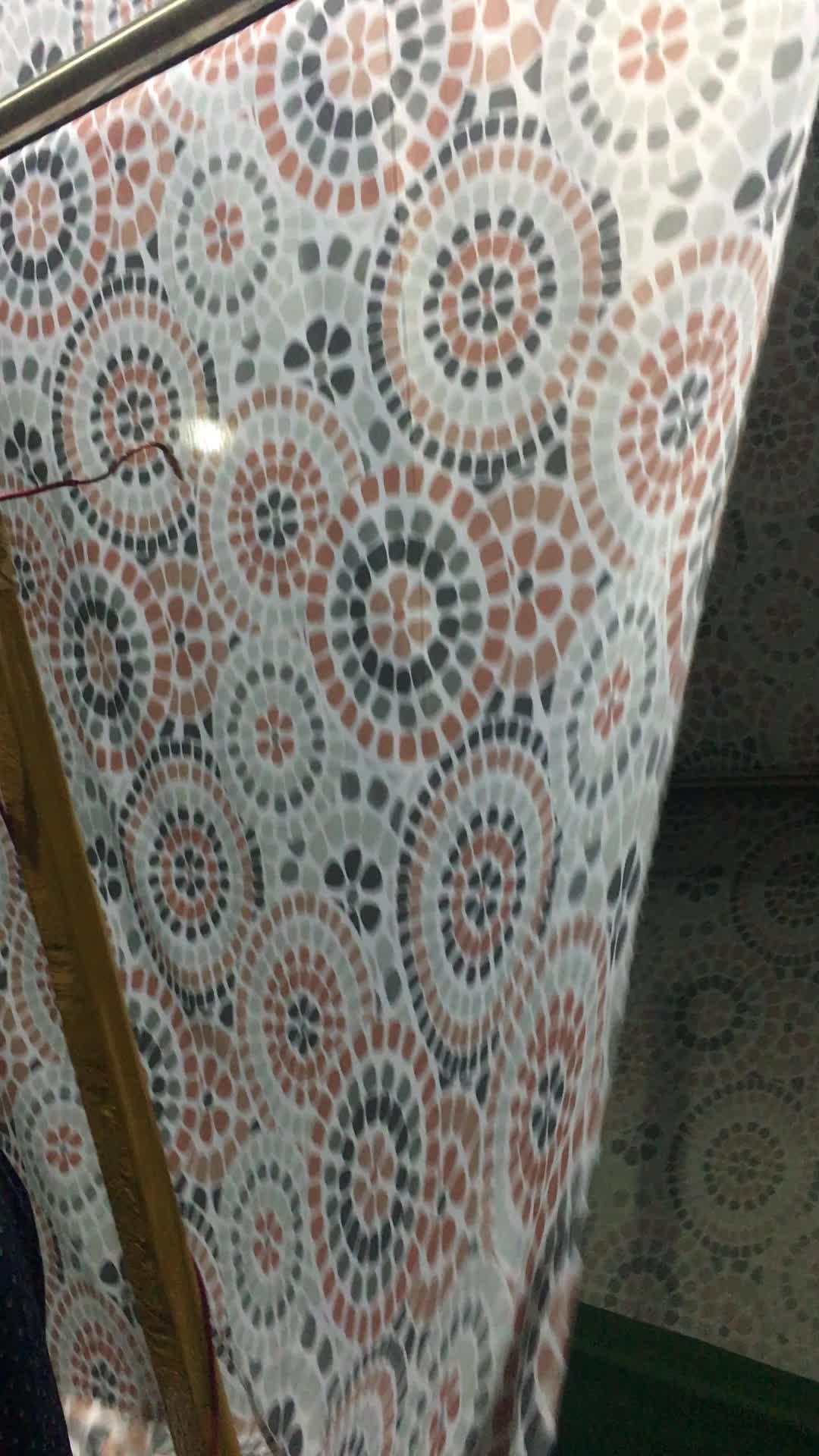 ราคาถูกพิมพ์โพลีเอสเตอร์100%ซุปเปอร์ที่มีสีสันผ้าทำในประเทศจีน