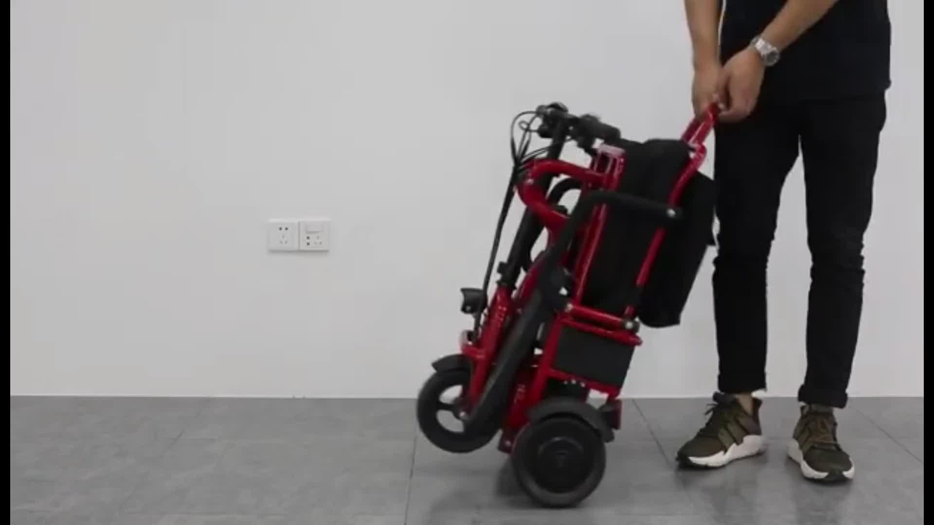 Portatile leggero pieghevole a tre quattro ruote disabili portatori di handicap mobilità elettrica scooter per adulti
