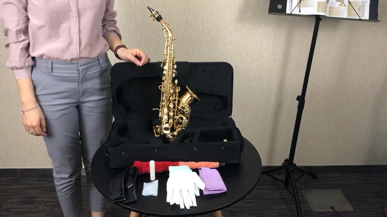 OEM Wholesale Price Chinese Good Quality Brass Body Gold Lacquered Bb Key Curved Soprano Saxophone