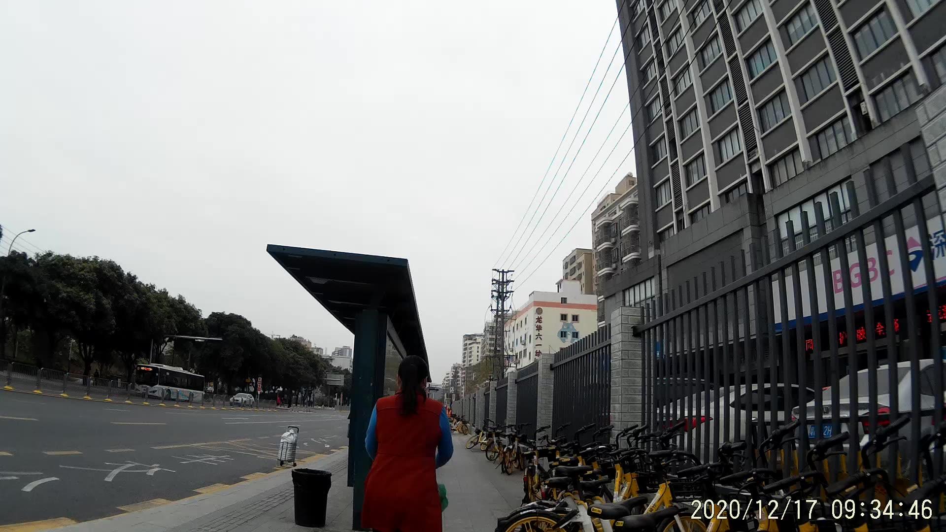 Wifi 1080p 30fpsフルhd防水ミニビデオレコーダーアクションカーdvrヘルメットスポーツカメラ