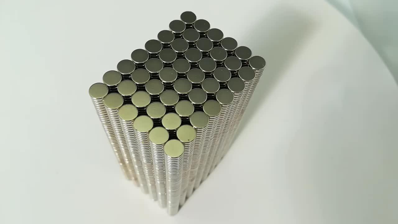 गर्म बिक्री मजबूत स्थायी Neodymium दुर्लभ पृथ्वी NdFeB चुंबक दौर स्टॉक में