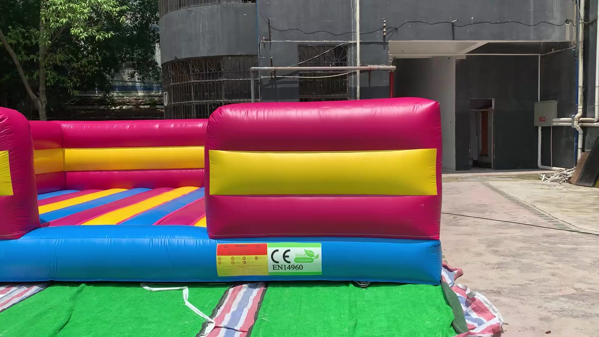 Customized size inflatable jump pad with guardrail small colorful jumping pad for sale