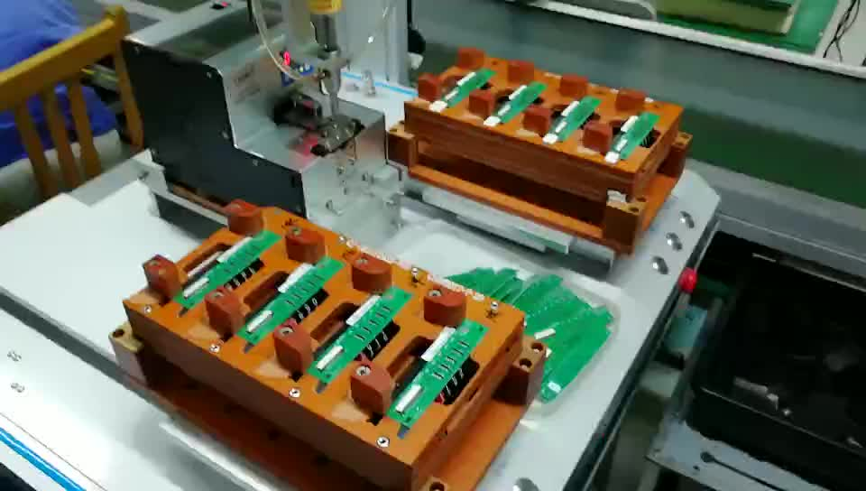 automatic screw machine with electric screwdriver for product assembly