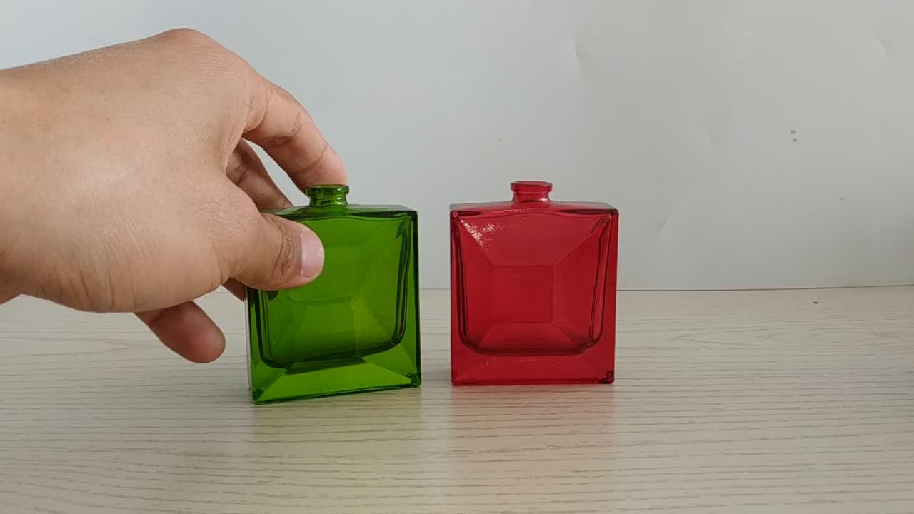1.5o 卸売空の透明な 50 ミリリットル長方形ガラス香水瓶ガラススプレー香水瓶キャップ