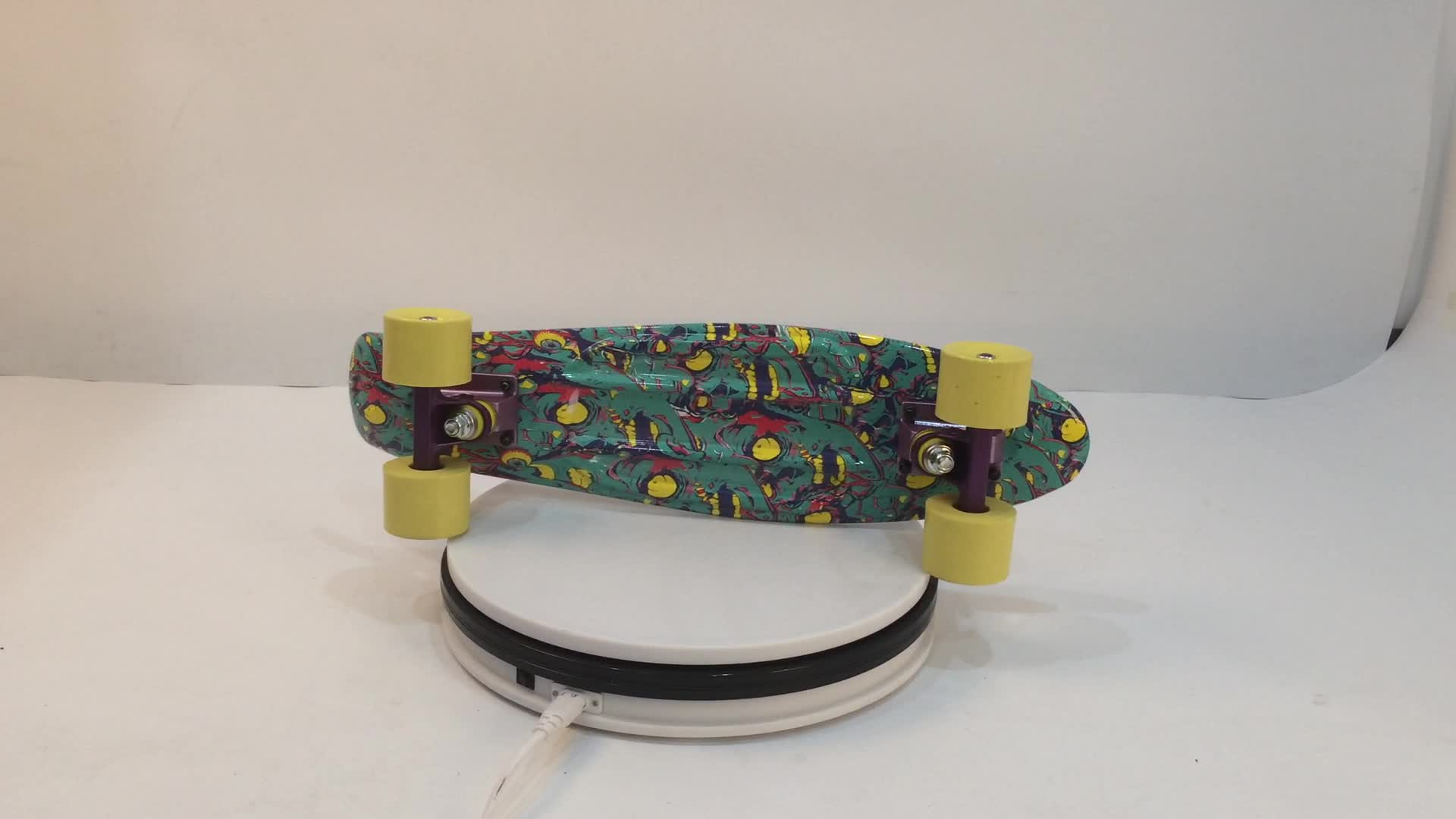 Water Transfer Printing Beautifully Designed Mini Plastic Fish Board Skateboard