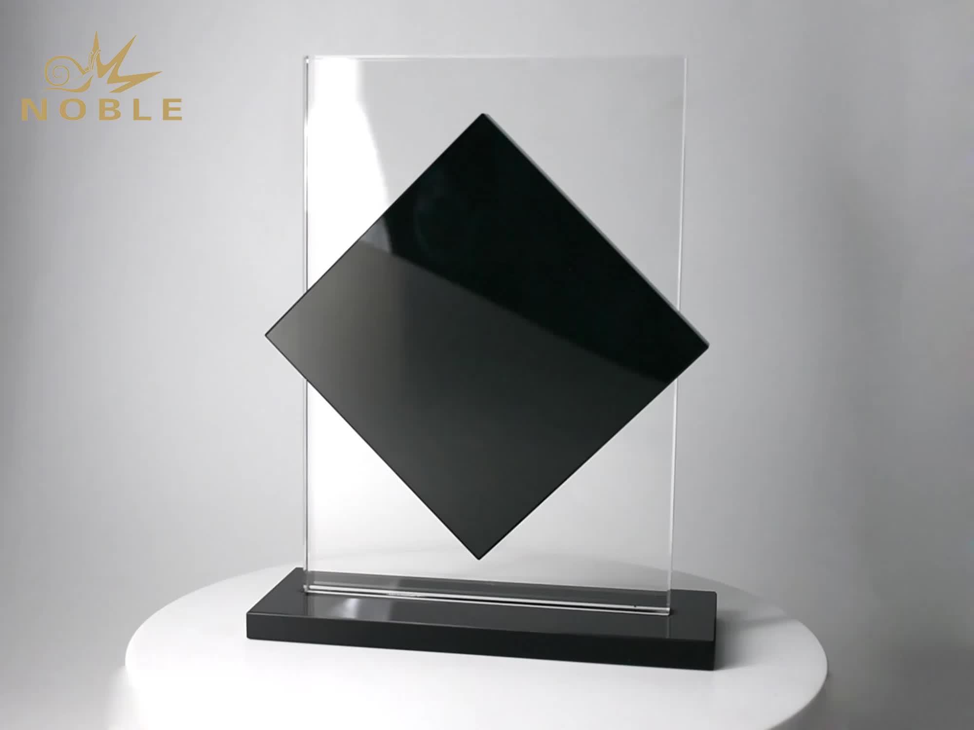 Noble personalizado al por mayor negro Base en blanco Premio trofeo de cristal