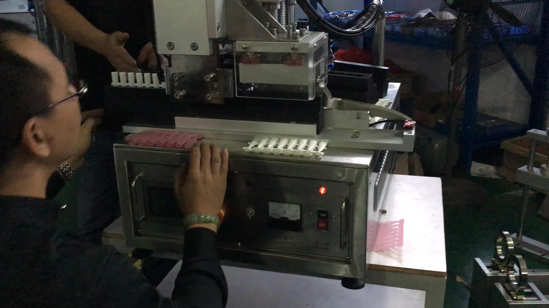 Ultrasonik şerit monodosis Tüp Yapıştırma Makinesi