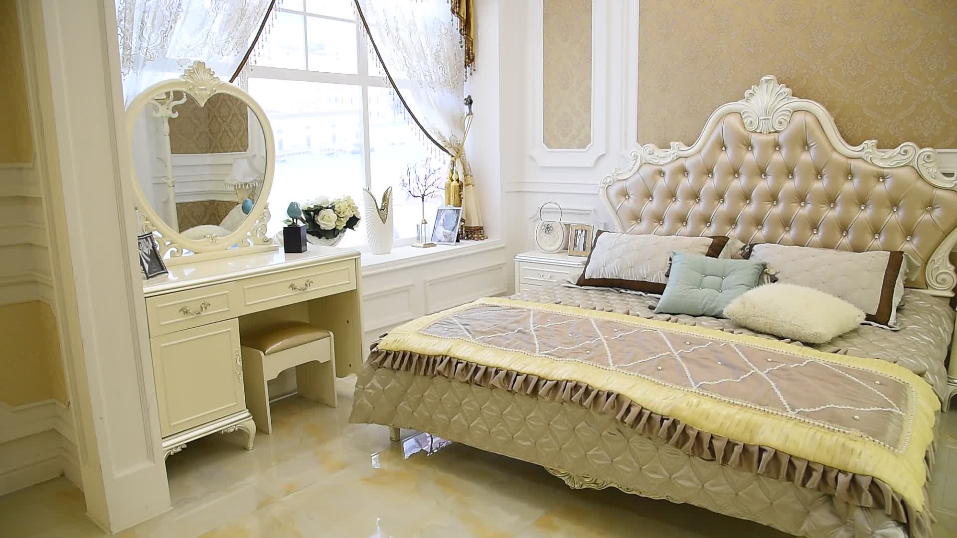 Classical Cream Colored Royal French Bedroom Set Luxury