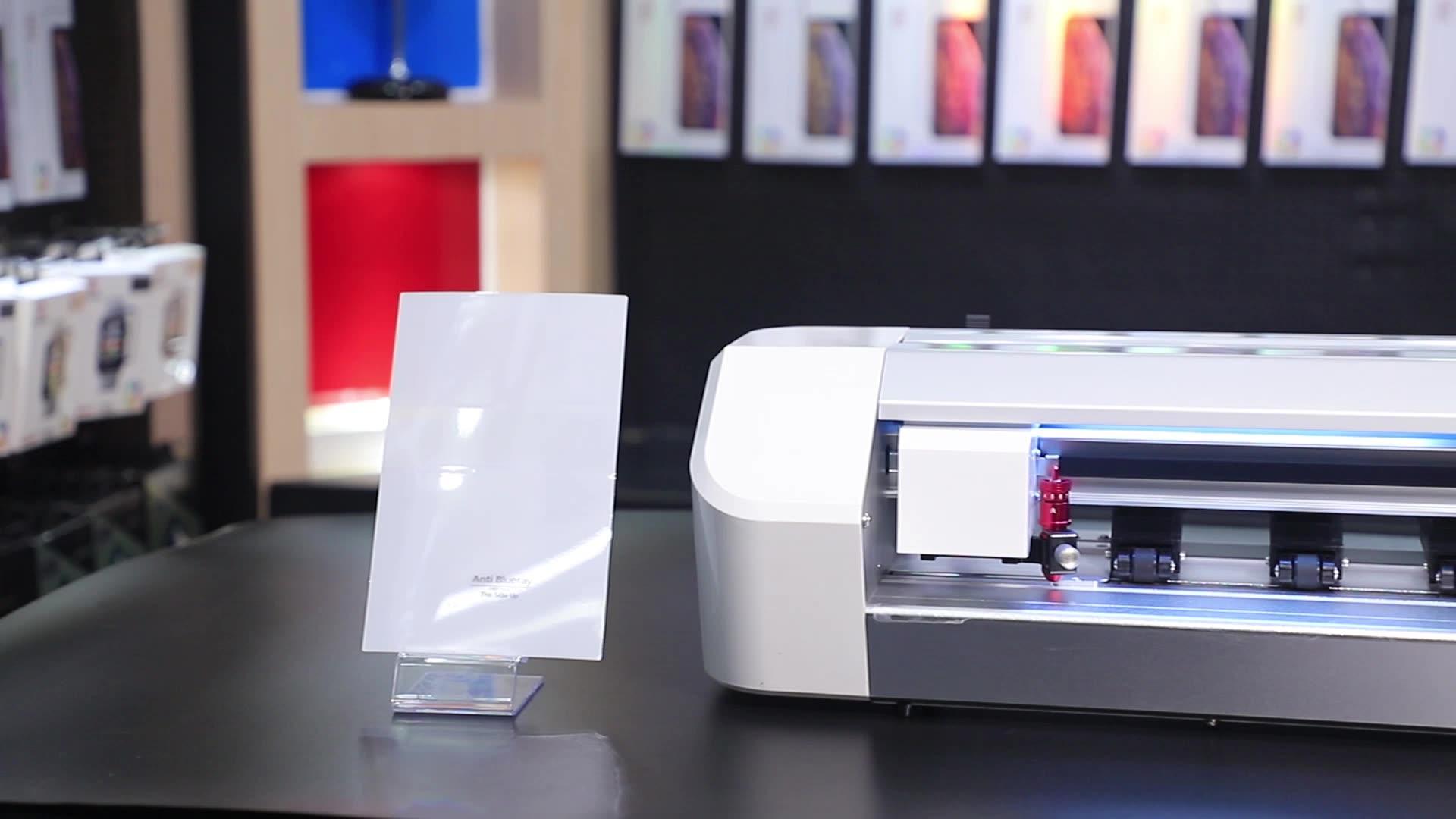Weiche Material Film Schneiden Schöne Glänzende Zurück Protector Flüssigkeit Nano Bildschirm Protector Maschine