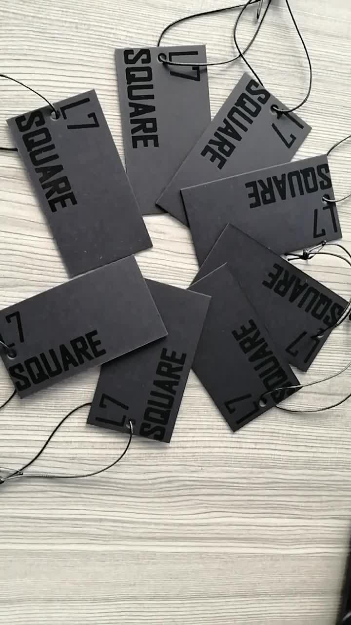 العرف تصميم جديد فاخر ورق بطاقة سوداء الملابس شنق العلامات في الملابس علامات مع سلسلة لتصنيع الجينز
