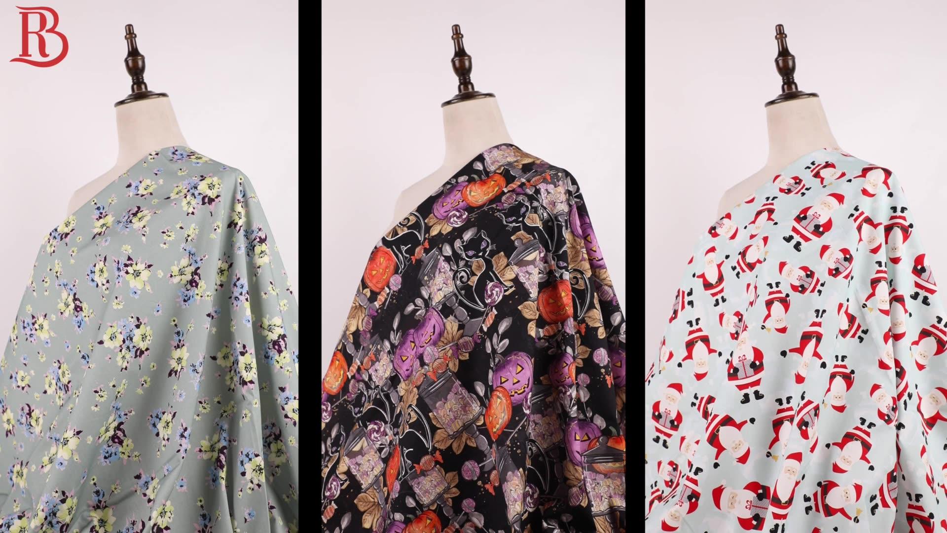 Good 32S * 32Sทอหุ้นจำนวนมากสีชมพูพิมพ์ดอกไม้และผ้าผ้าฝ้ายสำหรับชุด