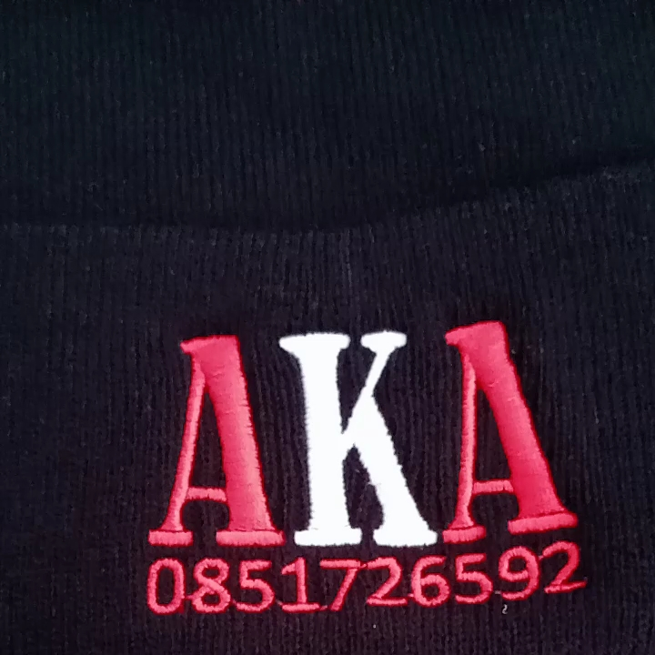 Cheap plain color fashion hat , custom printing free shipping your logo embroidery custom beanie