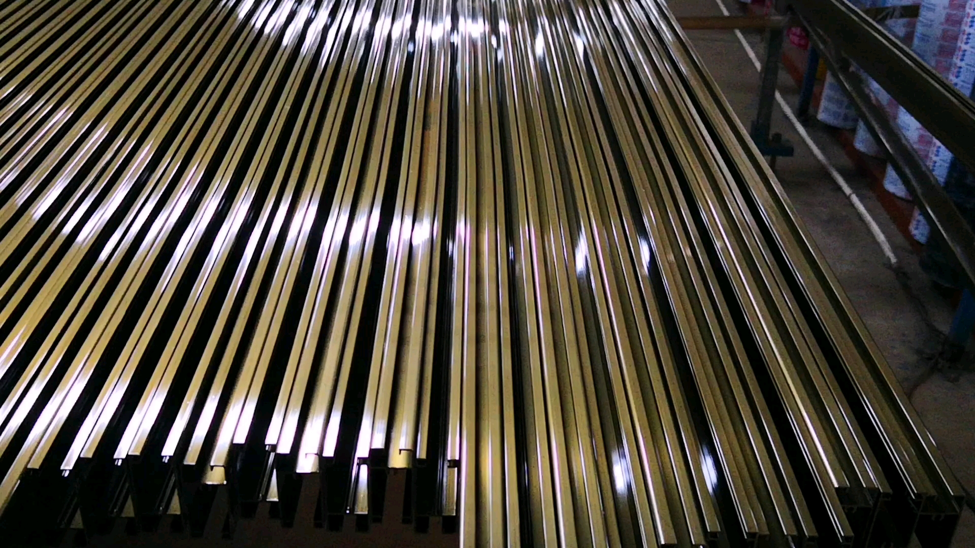 Fabriek oem 6000 serie geëxtrudeerd aluminium deur en raam frames/aluminium schuifraam frame