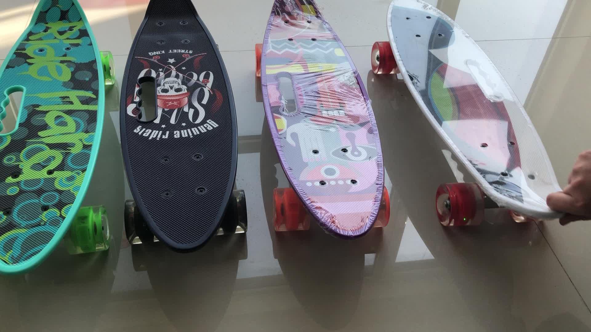 2019 Desain Baru Mudah Menangani Plastik PP Ikan Skateboard