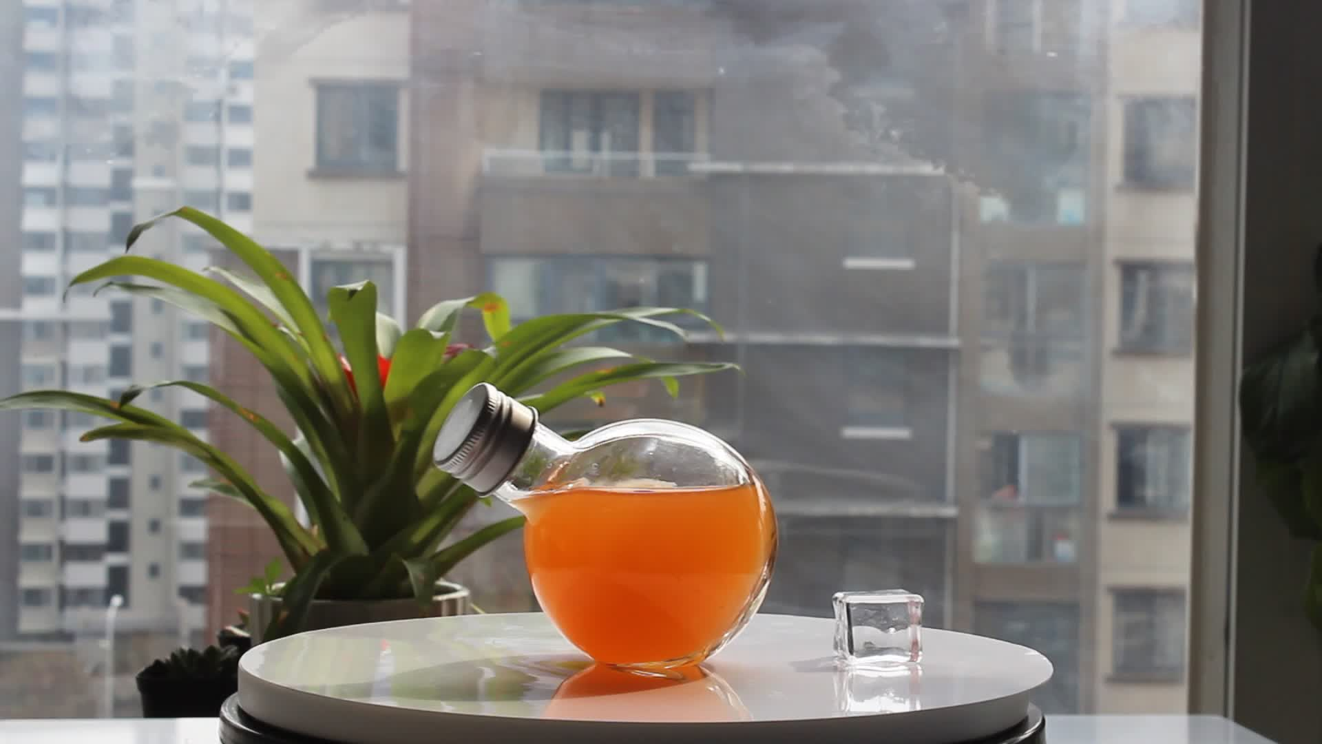 Groothandel fancy ontwerp 220ml 380ml zeshoekige glas honing potten met hout cap en honing houten druppelaar