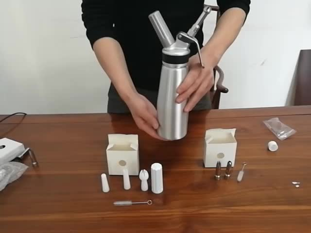 0.5L Kitchen Carafe Cream Whipper Aluminum Whipped Cream Dispenser With Silicon Band For Coffee Dessert Receipe