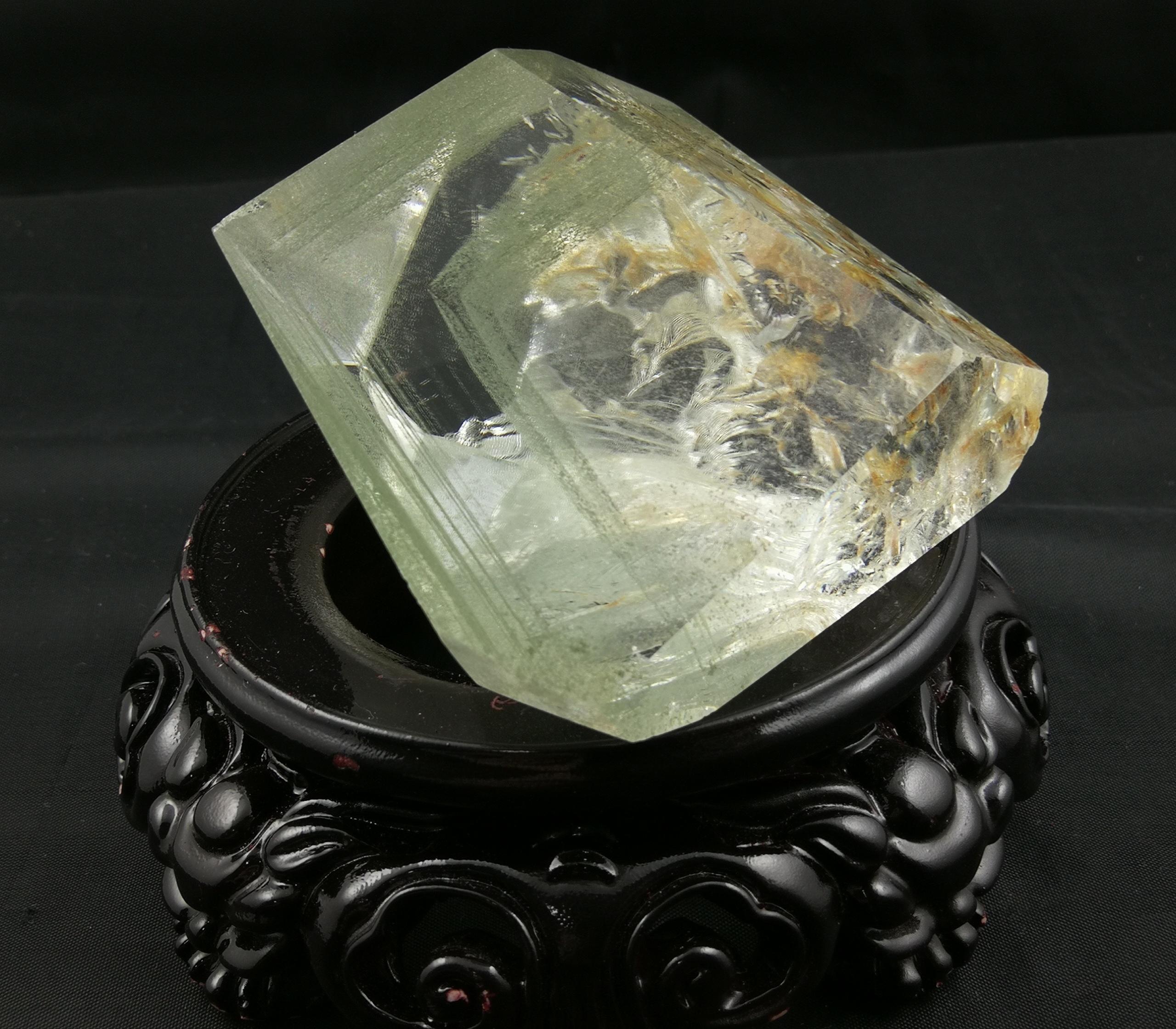天然綠幽靈神秘金字塔千層山水晶招財聚財靈石之約步步高升擺件,標價為基本價,具體咨詢賣家