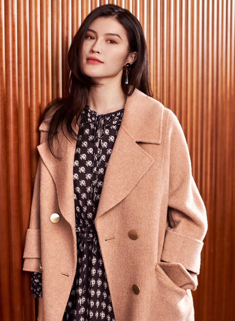 何穗同款阿尔巴卡优雅俏皮翻驳领 撞色双排扣大衣伊芙丽2018冬装长款毛呢外套女 3