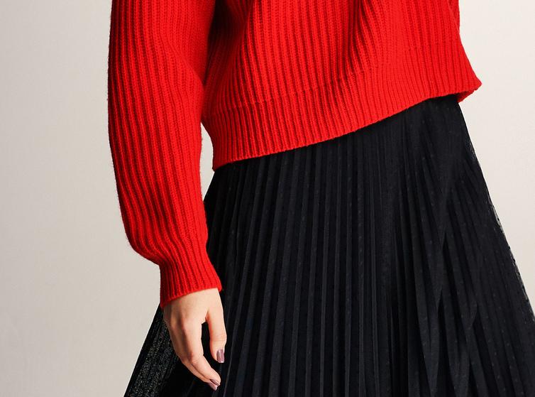 伊芙丽毛衣女2019新款春红色宽松长袖打底衫bf慵懒风长袖针织衫女 宽松落肩 窄坑条针织肌理 6