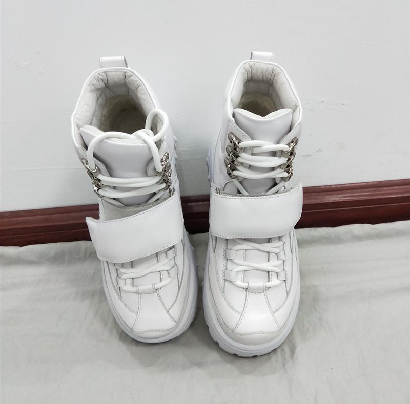 一款适合冬天穿的小白鞋,时尚又有个性24