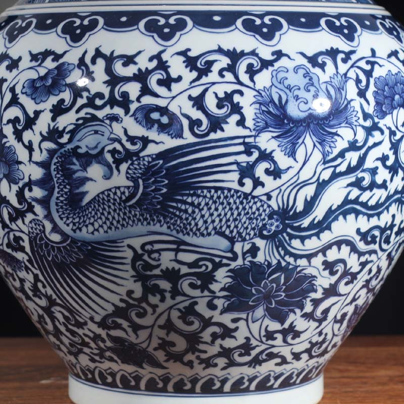 Longfeng grain blue and white tree hand - made of hand - made Longfeng grain blue and white porcelain vase atmosphere