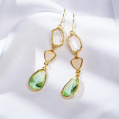 祖母绿轻奢宝石耳针显脸瘦小众设计彩钻水滴耳坠半透明水晶耳饰女