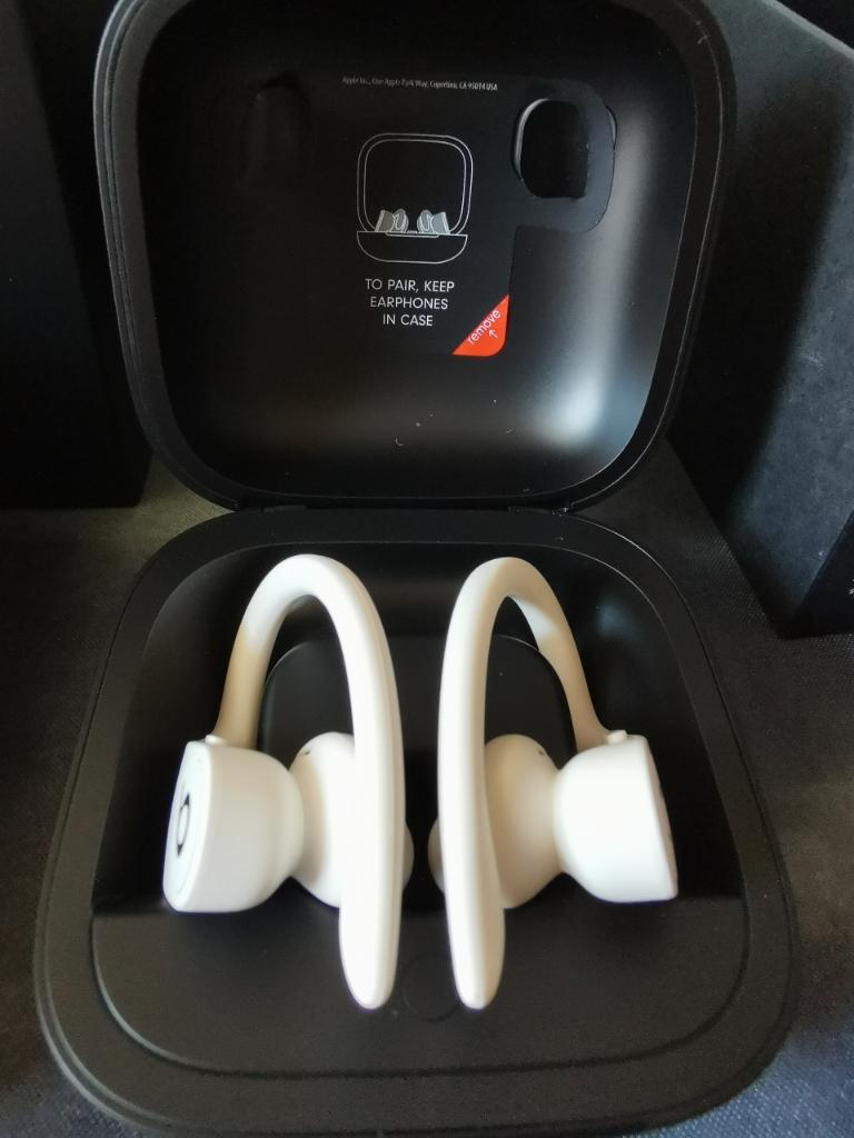 Beats powerbeats pro耳机