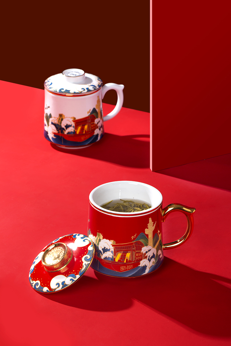 Jingdezhen ceramic tea cups separation filter cup with cover), the new 2021 office cup tea cup