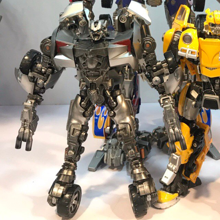 Deformation toy amplification alloy version of the bumblebee fine coated version