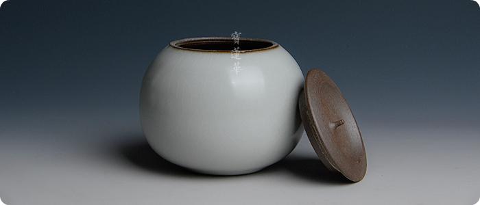 瓷茶叶罐.jpg