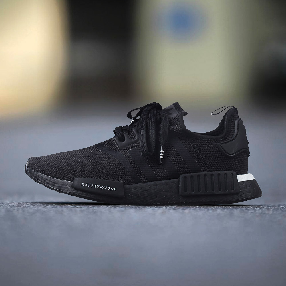 938ad3500365d Adidas NMD R1 men and women casual black and white spring casual running shoes  BD7754 D96617
