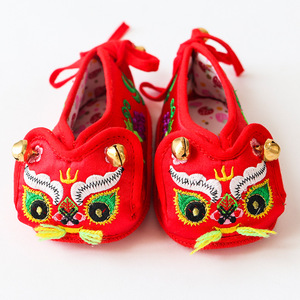 Tiger head shoes baby hundred days old soft sole shoes baby tiger head cloth shoes pure hand made pure cotton embroidery breathable