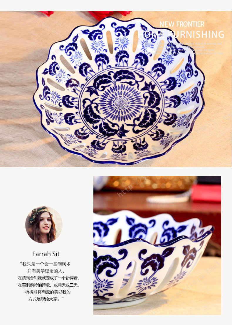 Jingdezhen ceramic hollow circular blue and white porcelain candy fruit bowl large living room home decoration home furnishing articles