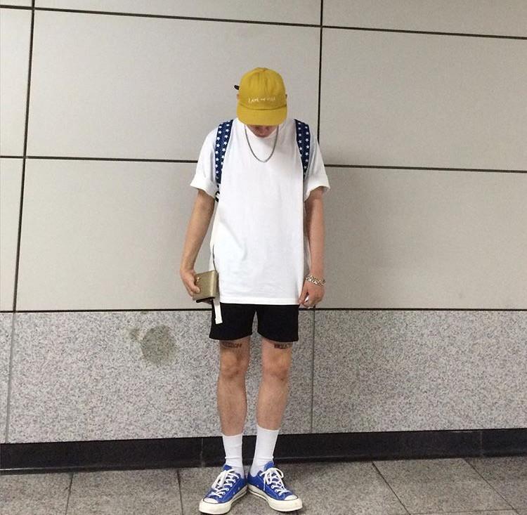 Hàn Quốc hãng phim Man tay một quần hoang dã phù hợp với quần short 2018 người đàn ông mới và phụ nữ với cùng một đoạn