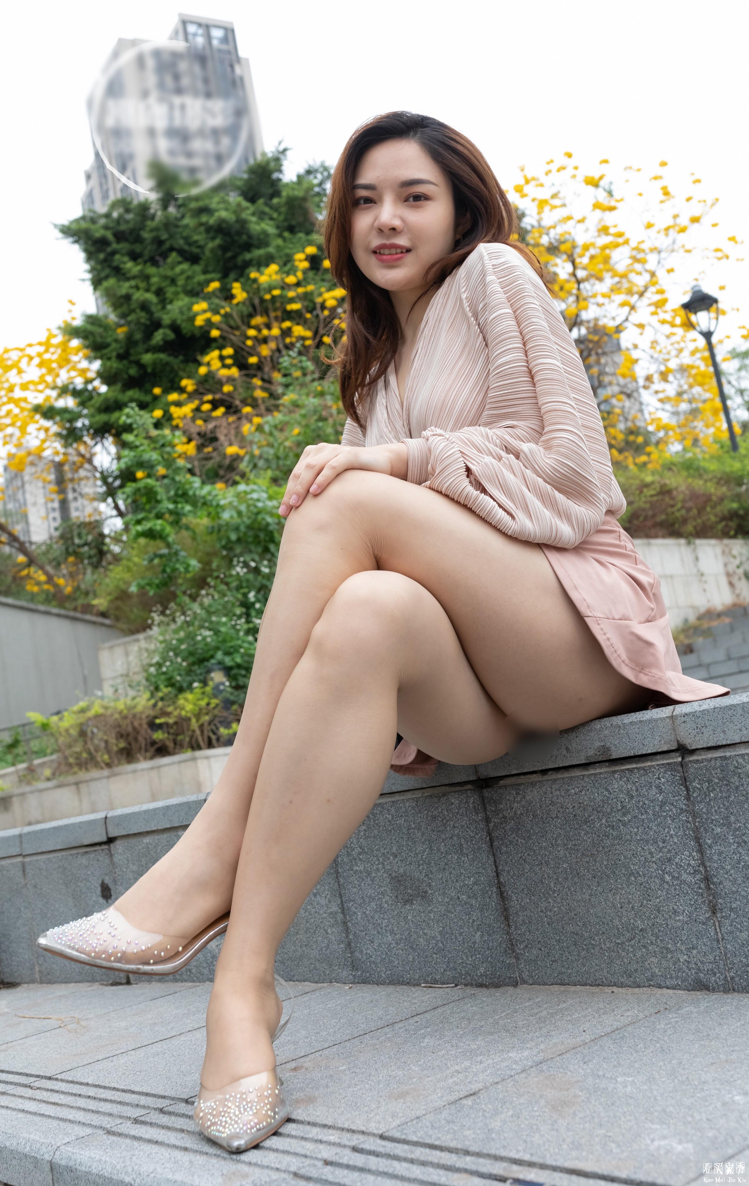 [街拍美女]街拍超短裙露臀美女