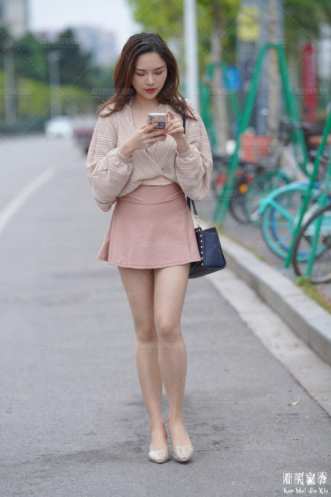 [街拍美女]街拍超短裙露臀美女7