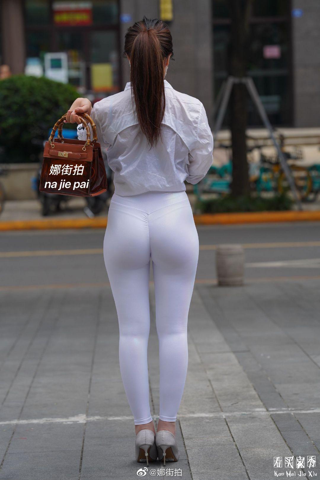 [街拍美女]运动内衣搭配微透明健身裤,简洁好看,美得直截了当13