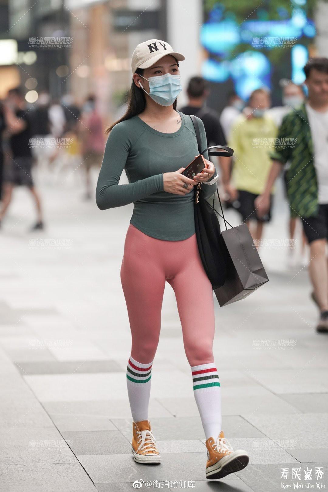 [街拍美女]性感紧身无痕运动裤,时尚休闲,凸显身材的美7