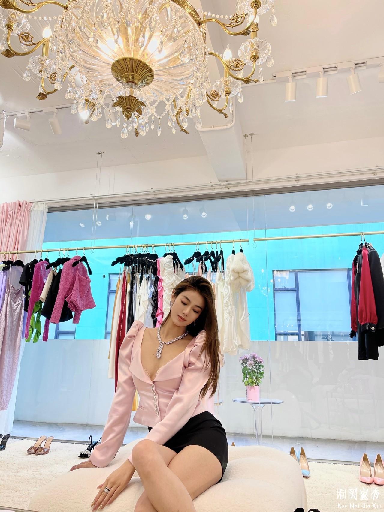 泡泡袖水晶钻半裙买家秀,品牌Showroom穿上果然不一样1