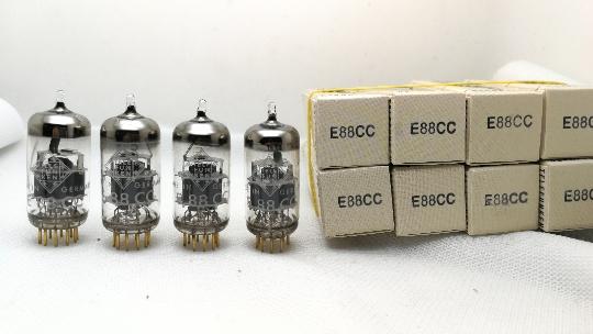 радиолампа Логотип Орел фигурирует черная и белая коробка Телефункен оас/ e88cc/ecc88/6922/6dj8/6n11 трубка
