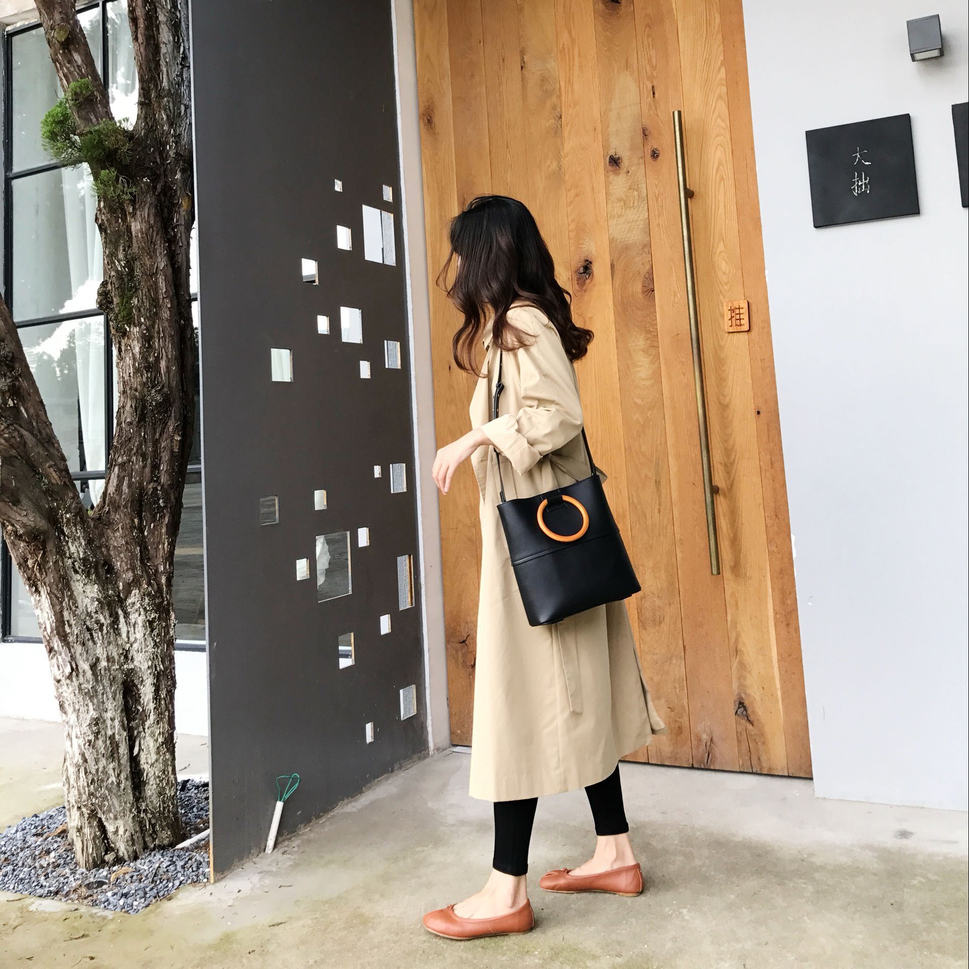 Cui's leather factory homemade imported first layer of leather design sense bucket bag shoulder portable niche new handbags