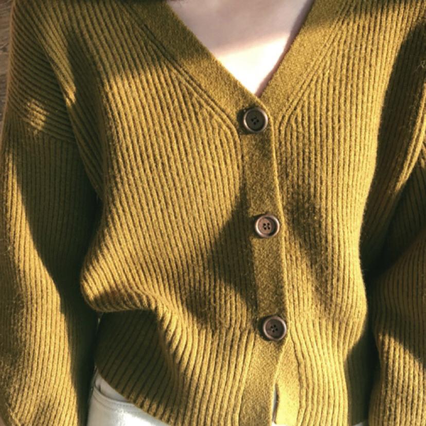 THE CAKE wood button cardigan 木纽扣V领开衫毛衣女